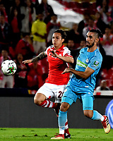 BOGOTç-COLOMBIA, 04-04-2019: Luis Seijas de Independiente Santa Fe, disputa el bal—n con Delio Ojeda de Jaguares F.C., durante partido de la fecha 13 entre Independiente Santa Fe y Jaguares F.C., por la Liga çguila I 2019, en el estadio Nemesio Camacho El Campin de la ciudad de Bogot‡. / Luis Seijas of Independiente Santa Fe struggles for the ball with Delio Ojeda of Jaguares F.C., during a match of the 13th date between Independiente Santa Fe and Jaguares F.C., for the Aguila Leguaje I 2019 at the Nemesio Camacho El Campin Stadium in Bogota city, Photo: VizzorImage / Luis Ram'rez / Staff.