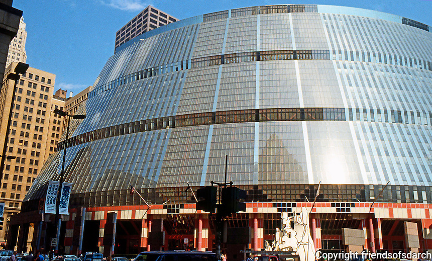 Helmut Jahn: State of Illinois Center, Chicago 1985. Curved facade, N.W. corner of Randolph and Clark--17 story, basically rectangular building.  Photo '88.
