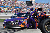 2017 Monster Energy NASCAR Cup Series - Kobalt 400<br /> Las Vegas Motor Speedway - Las Vegas, NV USA<br /> Sunday 12 March 2017<br /> Denny Hamlin, FedEx Office Toyota Camry pit stop<br /> World Copyright: Nigel Kinrade/LAT Images<br /> ref: Digital Image 17LAS1nk07308
