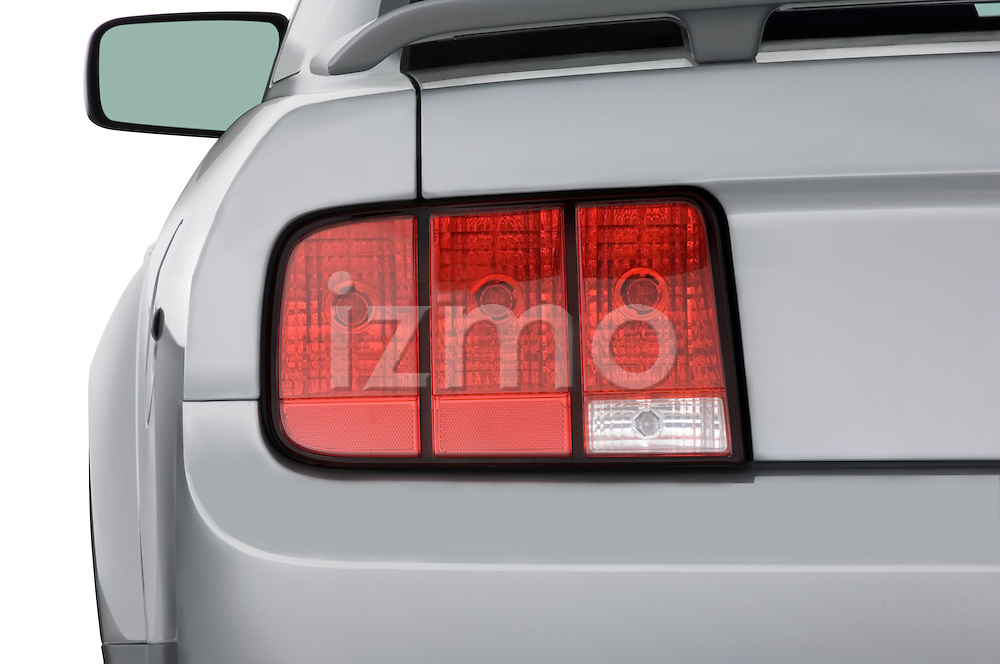Straight tail light view of a 2007 Ford Mustang GT Coupe