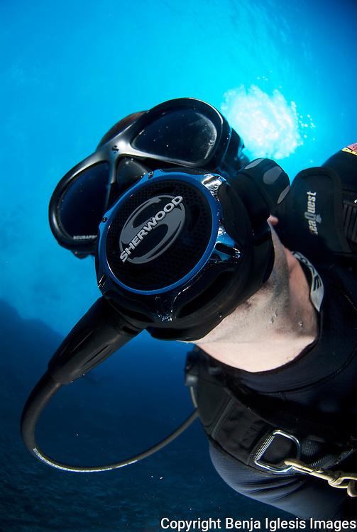 Portrait of a diver with the sherwood SR1 regulator Molokini Maui hawaii.