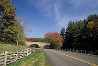 AJ4496, Blue Ridge Parkway, road, Virginia, Blue Ridge, Appalachian Mountains, Scenic drive along the Blue Ridge Parkway in the state of Virignia.