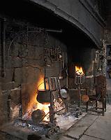 Europe/France/Auvergne/12/Aveyron/Env. de Laguiole: Château du Bousquet - Détail cheminée [Non destiné à un usage publicitaire - Not intended for an advertising use]