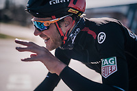 although freezing temperatures have many riders seriously dressed up, Jempy Drucker (LUX/BMC) is still not a fan of wearing gloves...<br /> <br /> 70th Kuurne-Brussel-Kuurne 2018<br /> Kuurne › Kuurne: 200km (BELGIUM)
