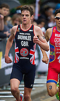15 SEP 2013 - LONDON, GBR - Jonathan Brownlee (GBR) of Great Britain leads the first run lap at the elite men's ITU 2013 World Triathlon Series Grand Final in Hyde Park, London, Great Britain (PHOTO COPYRIGHT © 2013 NIGEL FARROW, ALL RIGHTS RESERVED)