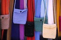 Afrique/Maghreb/Maroc/Essaouira : Détail de l'étal d'une boutique de tissages dans la Médina