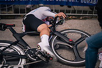 Stefan Bissegger (SUI) downed by fatigue after finishing <br /> <br /> MEN UNDER 23 INDIVIDUAL TIME TRIAL<br /> Hall-Wattens to Innsbruck: 27.8 km<br /> <br /> UCI 2018 Road World Championships<br /> Innsbruck - Tirol / Austria