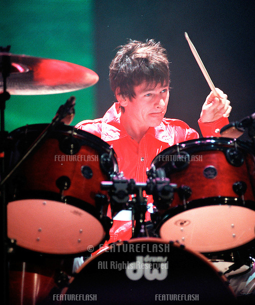 """29OCT99: Rock supergroup THE WHO's new drummer RAY STARKEY (son of Ringo Starr) on stage at the MGM Grand, Las Vegas, for their reunion concert staged by new internet company Pixelon.com as part of their """"iBash99"""".                               © Paul Smith / Featureflash"""