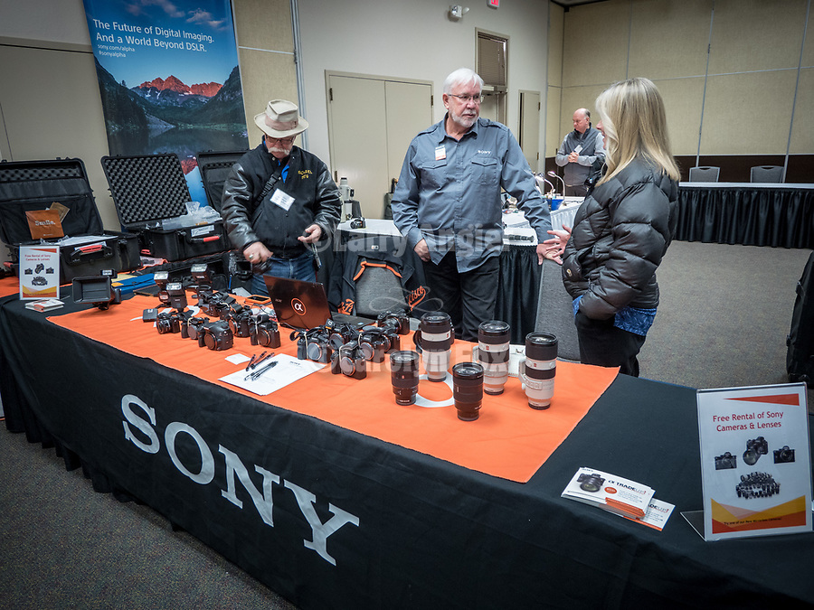 David Rhodes shows the #SonyAlpha cameras and lenses at #ShootingTheWest XXX, <br /> <br /> #WinnemuccaNevada, #SonyAlpha