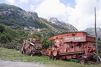 - Sicilia, Parco dei Nebrodi, antiche macchine agricole<br /> <br /> - Sicily, the Nebrodi Park, old farm machinery