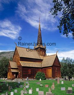 Norwegen, Oppland, Lom: Lomskyrkja - Stabkirche, erbaut 1180   Norway, Oppland, Lom: Lomskyrkja - stav church, built 1180