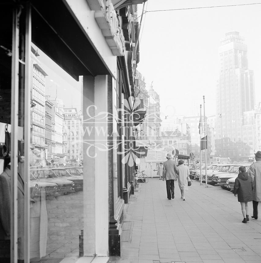 Oktober 1970. Meir winkelstraat in de Antwerpen.