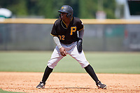 Pittsburgh Pirates Rodolfo Castro (32) leads off during a Florida Instructional League game against the New York Yankees on September 25, 2018 at Yankee Complex in Tampa, Florida.  (Mike Janes/Four Seam Images)