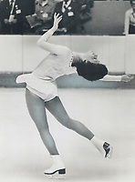 Showing form which won Canadian women's figure skating championship in Quebec city Saturday is Ottawa's Lynn Nightingale, who's aiming for '76 Olympic medal.<br /> <br /> 1976<br /> <br /> PHOTO :  Dick Loeb - Toronto Star Archives - AQP