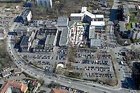 Zentum: EUROPA, DEUTSCHLAND, SCHLESWIG- HOLSTEIN, GLINDE, (GERMANY), 08.03.2008: Glinde, Markt, Zentrum, Verwaltung, Wohnraum, Baugrund, Flaeche. Bebaung, Bebauungsplan,  Gebaeude, freie Flaeche, Freiflaeche, Platz , Raum, Infrastrucktur, Investition, Luftbild, Luftansicht, Luftaufnahme, .. c o p y r i g h t : A U F W I N D - L U F T B I L D E R . de.G e r t r u d - B a e u m e r - S t i e g 1 0 2, 2 1 0 3 5 H a m b u r g , G e r m a n y P h o n e + 4 9 (0) 1 7 1 - 6 8 6 6 0 6 9 E m a i l H w e i 1 @ a o l . c o m w w w . a u f w i n d - l u f t b i l d e r . d e.K o n t o : P o s t b a n k H a m b u r g .B l z : 2 0 0 1 0 0 2 0  K o n t o : 5 8 3 6 5 7 2 0 9.C o p y r i g h t n u r f u e r j o u r n a l i s t i s c h Z w e c k e, keine P e r s o e n l i c h ke i t s r e c h t e v o r h a n d e n, V e r o e f f e n t l i c h u n g n u r m i t H o n o r a r n a c h M F M, N a m e n s n e n n u n g u n d B e l e g e x e m p l a r !.