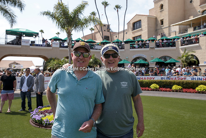 DEL MAR, CA  JULY 16: Happy fans attending Opening Day of the Summer Meet at Del Mar Thoroughbred Club on July 16, 2021,  in Del Mar, Ca. (Photo by Casey Phillips/Eclipse lSportswire/CSM)