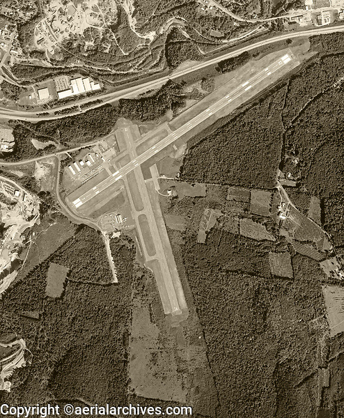 historical aerial photography of the Lebanon Municipal Airpor (LEB)t, New Hampshire, 1980