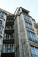 Auguste Perret: Franklin Apartments, Paris, 1902. Concrete construction.