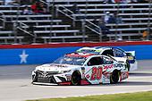 #20: Erik Jones, Joe Gibbs Racing, Toyota Camry Sport Clips, #9: Chase Elliott, Hendrick Motorsports, Chevrolet Camaro NAPA AUTO PARTS