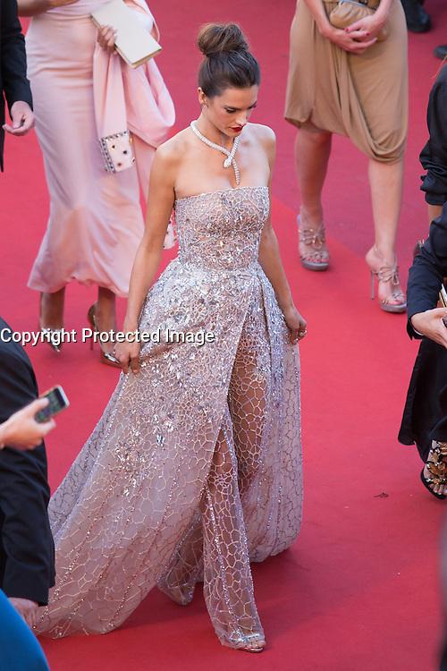 Alessandra Ambrosio - CANNES 2016 - MONTEE DU FILM 'THE LAST FACE'