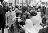 Funerailles de 2 pompiers morts 3 jours auparavant dans l'incendie de l'eglise unitarienne, le 28 mai 1987 a la Basilique Notre-Dame.                                                                <br /> <br /> PHOTO : Pierre Roussel -  Agence Quebec Presse
