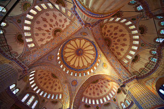 Interior of The Sultan Ahmed Mosque (Sultanahmet Camii) or Blue Mosque, Istanbul, Turkey. Built from 1609 to 1616 during the rule of Ahmed I the interior is decorated with Iznik tiles.