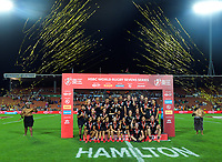 The New Zealand teams celebrate winning the men's and women's finals. Day two of the 2020 HSBC World Sevens Series Hamilton at FMG Stadium in Hamilton, New Zealand on Sunday, 26 January 2020. Photo: Dave Lintott / lintottphoto.co.nz