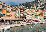 France, Provence-Alpes-Côte d'Azur, Villefranche-sur-Mer: restaurants and cafes at Quai de l'Amiral Courbet | Frankreich, Provence-Alpes-Côte d'Azur, Villefranche-sur-Mer: Restaurants und Cafés  am Quai de l'Amiral Courbet