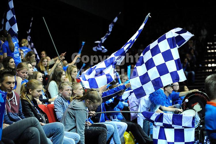 GRONINGEN - Volleybal, Abiant Lycurgus - Orion , Martiniplaza, Eredivisie  finale play-off 1 heren, seizoen 2015-2016, 17-04-2016,  veel fans en vlaggen in Martiniplaza