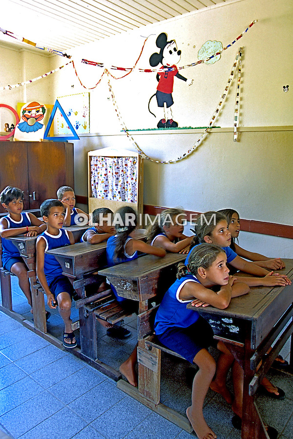 Sala de aula em escola pública. Itabapoana. Rio de Janeiro. 2000. Foto de Juca Martins.