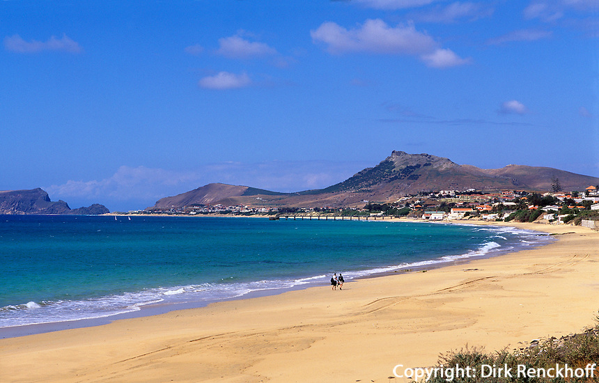 Der 8 km lange Strand von Porto Santo bei Vila Baleira, Porto Santo, Portugal