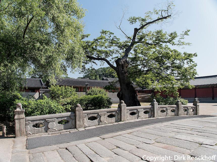 Brücke im Changdeokgung Palast, Seoul, Südkorea, Asien, UNESCO-Weltkulturerbe<br /> bridge inside palace Changdeokgung,  Seoul, South Korea, Asia UNESCO world-heritage