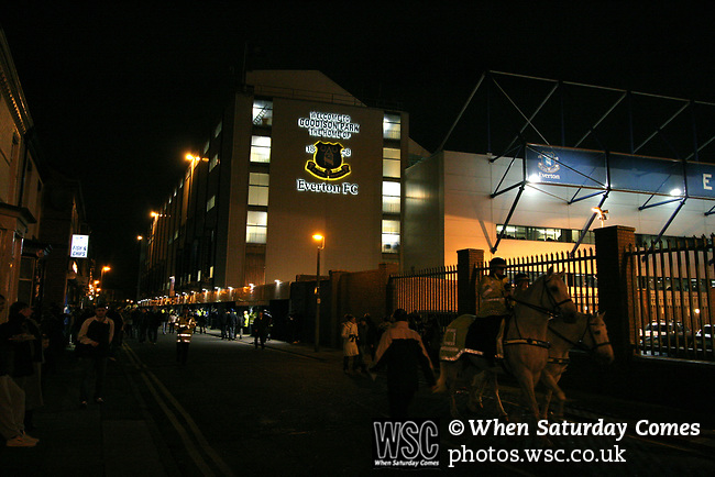 Everton 1, West Ham United 2, 14/12/2005. Goodison Park, FA Premiership. Crowds arriving at the stadium before Everton host West Ham United in a mid-season game on Merseyside. The away team came from behind to win, watched by a crowd of 35,704. Photo by Colin McPherson.