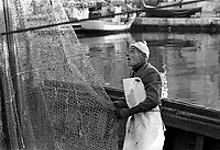 - fisherman in Mazara del Vallo port ....- pescatore nel porto di Mazara del Vallo