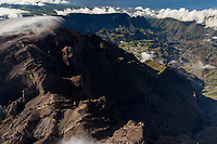 France, île de la Réunion, Parc national de La Réunion, classé Patrimoine Mondial de l'UNESCO,   Le Piton des Neiges (3070m) ,  et le  cirque de Cilaos en fond vue aérienne //   France, Reunion island (French overseas department), Parc National de La Reunion (Reunion National Park), listed as World Heritage by UNESCO,  the Piton des Neiges (Snow Peak) , cirque of Cilaos in the background,  aerial view