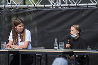 Pressekonferenz nach einem Treffen der Fridays for future-Aktivistinnen Greta Thunberg aus Schweden und Luisa Neubauer aus Deutschland mit Bundeskanzlerin Angela Merkel am Donnerstag den 20. August 2020.<br /> Im Bild vlnr: Luisa Neubauer, (Deutschland); Greta Thunberg, (Schweden).<br /> 20.8.2020, Berlin<br /> Copyright: Christian-Ditsch.de<br /> NUR FUER REDAKTIONELLE ZWECKE! Werbung nur auf Anfrage beim Fotografen. [Inhaltsveraendernde Manipulation des Fotos nur nach ausdruecklicher Genehmigung des Fotografen. Vereinbarungen ueber Abtretung von Persoenlichkeitsrechten/Model Release der abgebildeten Person/Personen liegen nicht vor. NO MODEL RELEASE! Don't publish without copyright Christian-Ditsch.de, Veroeffentlichung nur mit Fotografennennung, sowie gegen Honorar, MwSt. und Beleg. Konto: I N G - D i B a, IBAN DE58500105175400192269, BIC INGDDEFFXXX, Kontakt: post@christian-ditsch.de<br /> Bei der Bearbeitung der Dateiinformationen darf die Urheberkennzeichnung in den EXIF- und  IPTC-Daten nicht entfernt werden, diese sind in digitalen Medien nach §95c UrhG rechtlich geschuetzt. Der Urhebervermerk wird gemaess §13 UrhG verlangt.]