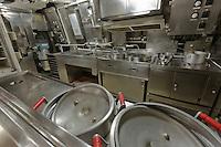 France, Manche (50), Cotentin, Cherbourg, Cité de la Mer, le plus grand sous-marin nucléaire visitable au monde: Le Redoutable -La Cuisine  //: France, Manche, Cotentin, Cherbourg, museum Cite de la Mer (city of the sea), old nuclear submarine Le Redoutable the kitchen