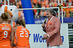 The Hague, Netherlands, June 14: Team of The Netherlands celebrates the win of the World Cup Trophy after the field hockey gold medal match (Women) between Australia and The Netherlands on June 14, 2014 during the World Cup 2014 at Kyocera Stadium in The Hague, Netherlands. Final score 2-0 (2-0)  (Photo by Dirk Markgraf / www.265-images.com) *** Local caption ***