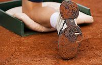 10-07-12, Netherlands,Tennis, ITS, HealthCity Open, Scheveningen, Ballboy shoe with Clay