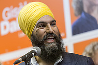 NDP leader Jagmeet Singh speaks in front of the media as he visits Alma in the riding of Lac St-Jean with his local candidate Gisele Dallaire on October 10, 2017.<br /> <br /> PHOTO :  Francis Vachon - Agence Quebec Presse