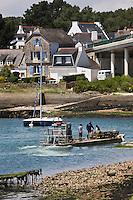 Europe/France/Bretagne/56/Morbihan/ Golfe du Morbihan/La Trinité-sur-Mer:  la rivière de Crac'h et bateau d'ostréiculteur