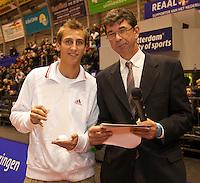 12-12-09, Rotterdam, Tennis, REAAL Tennis Masters 2009, Michiel Schapers rijkt de IC award uit aan Thiemo de Bakker