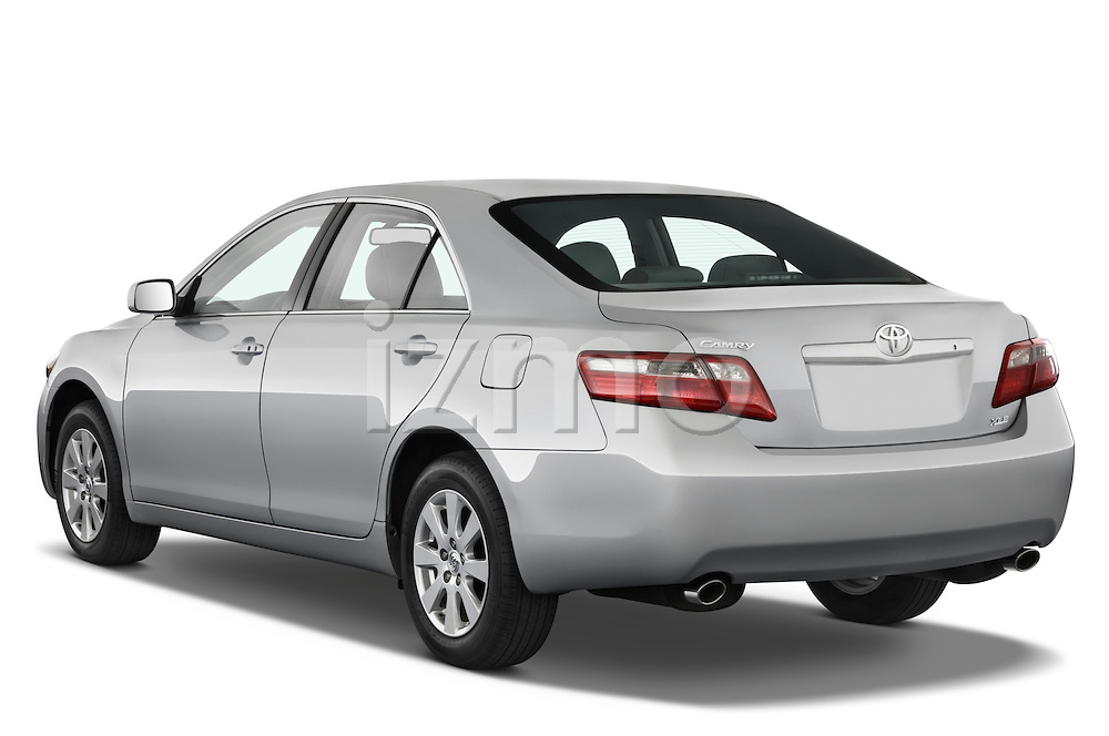 Rear three quarter view of a 2008 Toyota Camry XLE