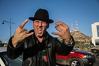 L.A. Guns convivió con fanáticos en una comida en el restaurant Palominos, para dar un concierto de rock de los 80´s<br /> <br /> <br /> <br /> pclavess: Guns n Roses.