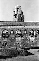 Mantova, Palazzo Ducale e il campanile della Basilica palatina di Santa Barbara in fase di restauro --- Mantua, Ducal Palace and the bell tower of the palatine church of Santa Barbara under restoration