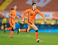 BREDA, NETHERLANDS - NOVEMBER 27: Dominique Janssen #20 of the Netherlands sprints during a game between Netherlands and USWNT at Rat Verlegh Stadion on November 27, 2020 in Breda, Netherlands.