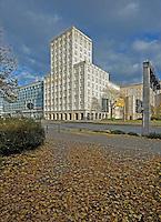 Hochhausarchitektur der Moderne  - das Europahaus am Augustusplatz gegenüber des Gewandhaus. <br /> <br />  Foto: Norman Rembarz