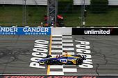 Alexander Rossi, Andretti Autosport Honda, checkered flag, finish line