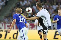 Shkodran Mustafi (Deutschland Germany) klärt vor Joel Pohjanpalo (Finnland) - Deutschland vs. Finnland, Borussia Park, Mönchengladbach