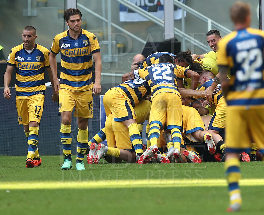 Calcio, Serie A: Inter Milano-Parma, Giuseppe Meazza stadium, September 15, 2018.<br /> Parma's Federico Dimarco celebrates after scoring with his teammates during the Italian Serie A football match between Inter and Parma at Giuseppe Meazza (San Siro) stadium, September 15, 2018.<br /> UPDATE IMAGES PRESS/Isabella Bonotto